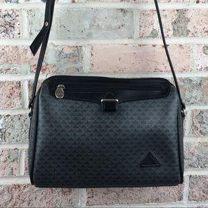 Liz Claiborne Black 90's Vintage Logo Bag